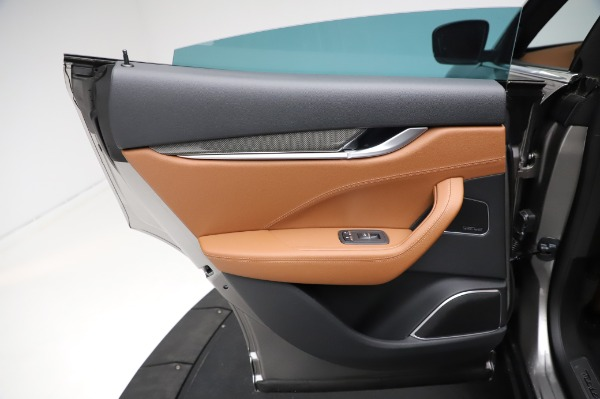 New 2021 Maserati Levante Q4 GranSport for sale $91,385 at Pagani of Greenwich in Greenwich CT 06830 21