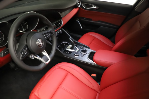 New 2021 Alfa Romeo Giulia Q4 for sale $48,535 at Pagani of Greenwich in Greenwich CT 06830 13