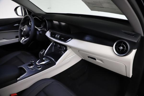 New 2021 Alfa Romeo Stelvio Q4 for sale $50,245 at Pagani of Greenwich in Greenwich CT 06830 22