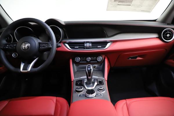 New 2021 Alfa Romeo Stelvio Ti Q4 for sale $55,500 at Pagani of Greenwich in Greenwich CT 06830 17