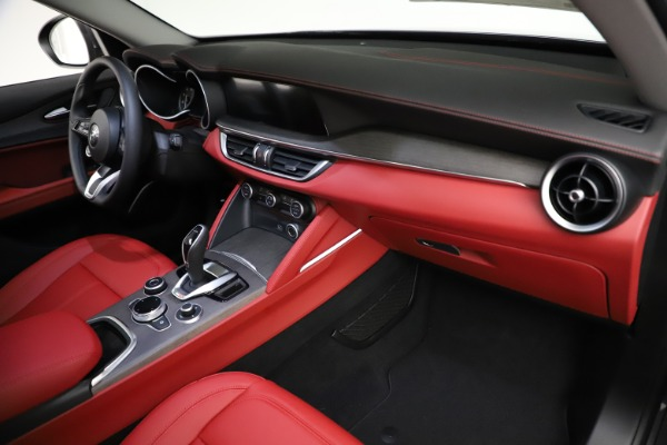 New 2021 Alfa Romeo Stelvio Ti Q4 for sale $55,500 at Pagani of Greenwich in Greenwich CT 06830 21