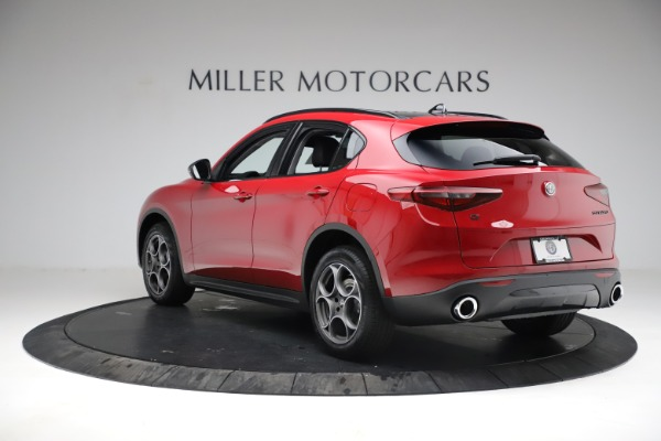 New 2021 Alfa Romeo Stelvio Sprint for sale $50,535 at Pagani of Greenwich in Greenwich CT 06830 6