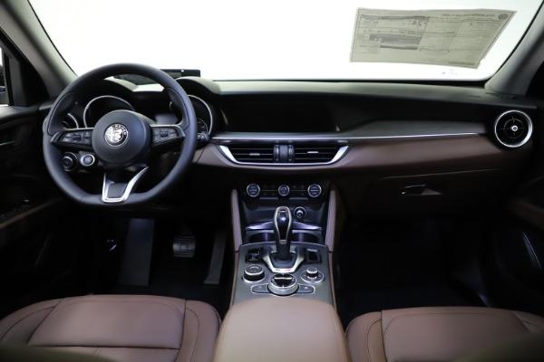 New 2021 Alfa Romeo Stelvio Ti for sale $53,650 at Pagani of Greenwich in Greenwich CT 06830 17
