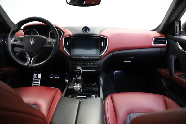 Used 2018 Maserati Ghibli SQ4 GranLusso for sale $55,900 at Pagani of Greenwich in Greenwich CT 06830 11