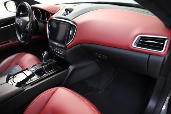 Used 2018 Maserati Ghibli SQ4 GranLusso for sale $55,900 at Pagani of Greenwich in Greenwich CT 06830 16