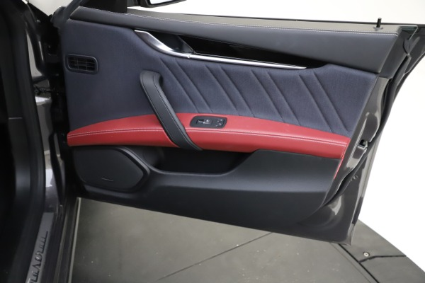 Used 2018 Maserati Ghibli SQ4 GranLusso for sale $55,900 at Pagani of Greenwich in Greenwich CT 06830 18