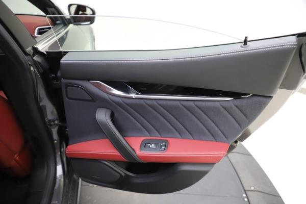 Used 2018 Maserati Ghibli SQ4 GranLusso for sale $55,900 at Pagani of Greenwich in Greenwich CT 06830 21