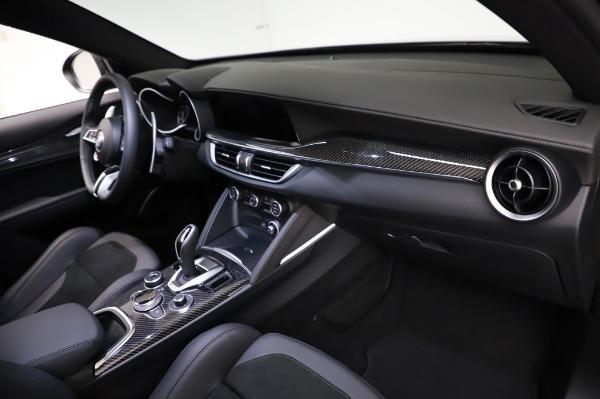 New 2021 Alfa Romeo Stelvio Quadrifoglio for sale $90,450 at Pagani of Greenwich in Greenwich CT 06830 21