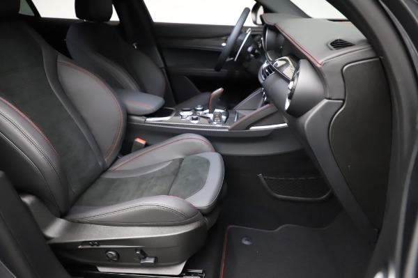 New 2021 Alfa Romeo Stelvio Quadrifoglio for sale $91,750 at Pagani of Greenwich in Greenwich CT 06830 24