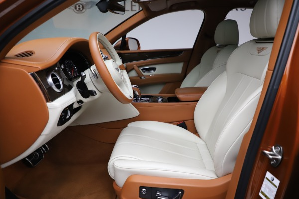 Used 2018 Bentley Bentayga Onyx Edition for sale $149,900 at Pagani of Greenwich in Greenwich CT 06830 18