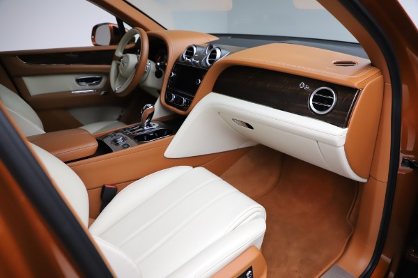 Used 2018 Bentley Bentayga Onyx Edition for sale $149,900 at Pagani of Greenwich in Greenwich CT 06830 25