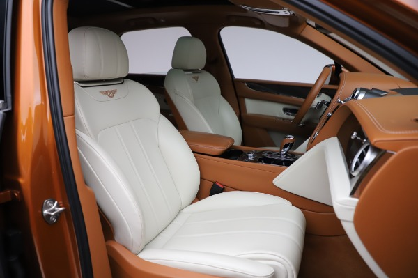Used 2018 Bentley Bentayga Onyx Edition for sale $149,900 at Pagani of Greenwich in Greenwich CT 06830 27