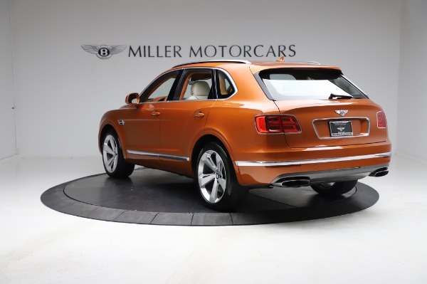 Used 2018 Bentley Bentayga Onyx Edition for sale $149,900 at Pagani of Greenwich in Greenwich CT 06830 5