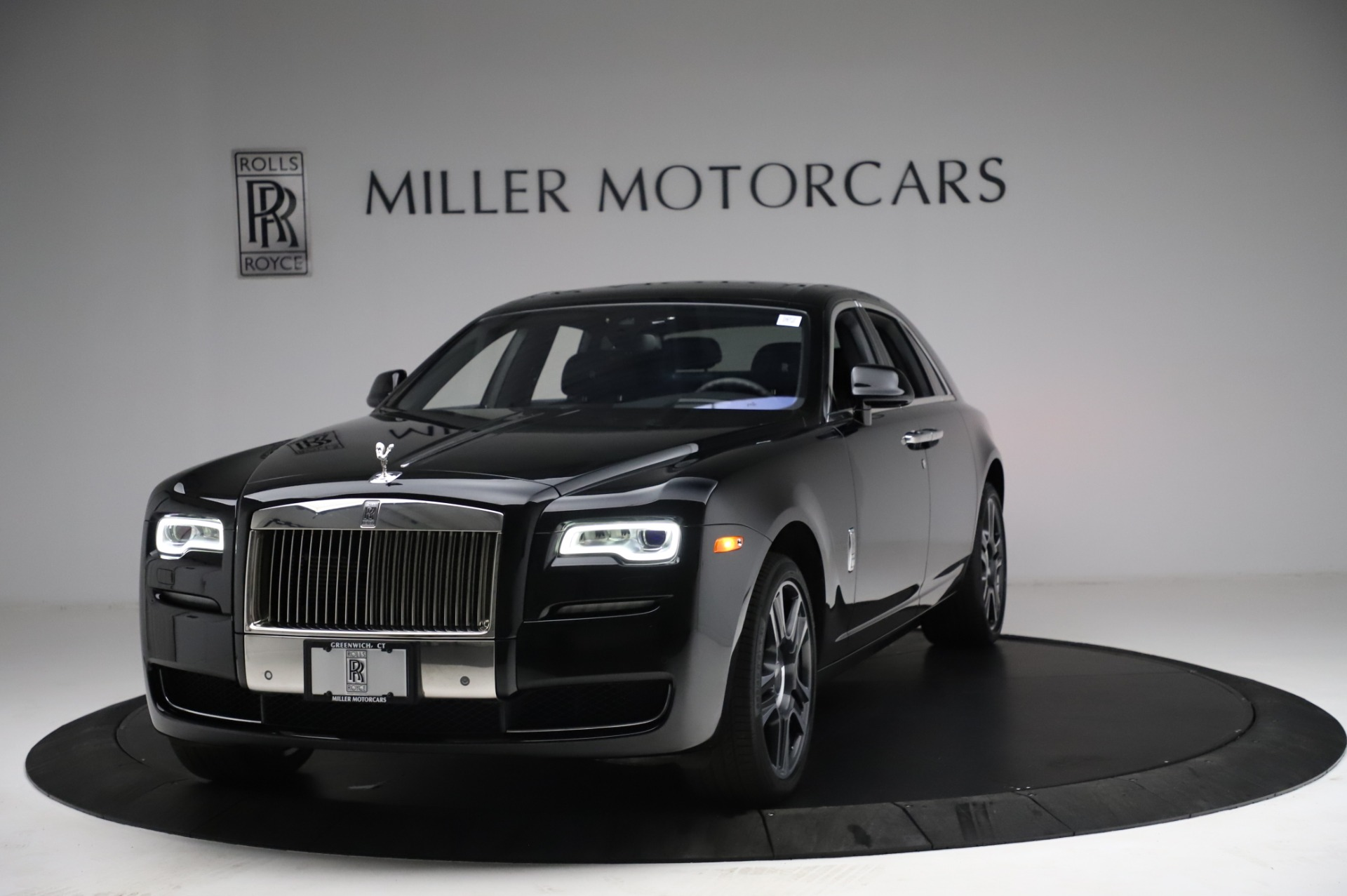 Used 2017 Rolls-Royce Ghost for sale $209,900 at Pagani of Greenwich in Greenwich CT 06830 1