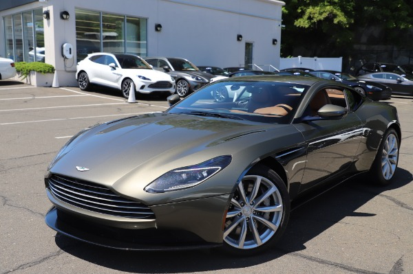 Used 2018 Aston Martin DB11 V8 for sale $151,900 at Pagani of Greenwich in Greenwich CT 06830 24