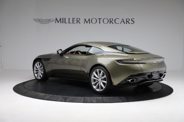 Used 2018 Aston Martin DB11 V8 for sale $151,900 at Pagani of Greenwich in Greenwich CT 06830 3