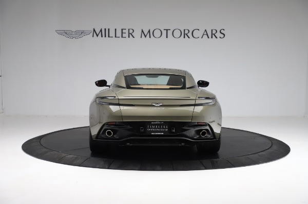 Used 2018 Aston Martin DB11 V8 for sale $151,900 at Pagani of Greenwich in Greenwich CT 06830 5
