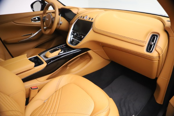 New 2021 Aston Martin DBX for sale $207,886 at Pagani of Greenwich in Greenwich CT 06830 19