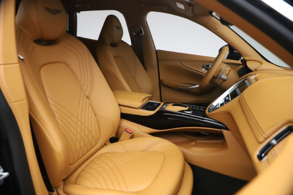 New 2021 Aston Martin DBX for sale $207,886 at Pagani of Greenwich in Greenwich CT 06830 21
