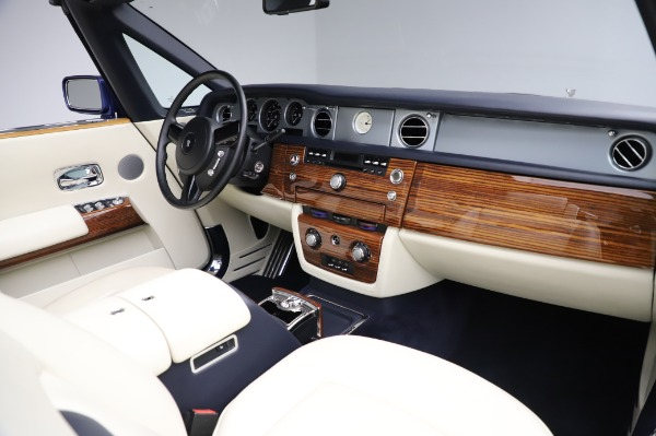Used 2009 Rolls-Royce Phantom Drophead Coupe for sale $219,900 at Pagani of Greenwich in Greenwich CT 06830 24