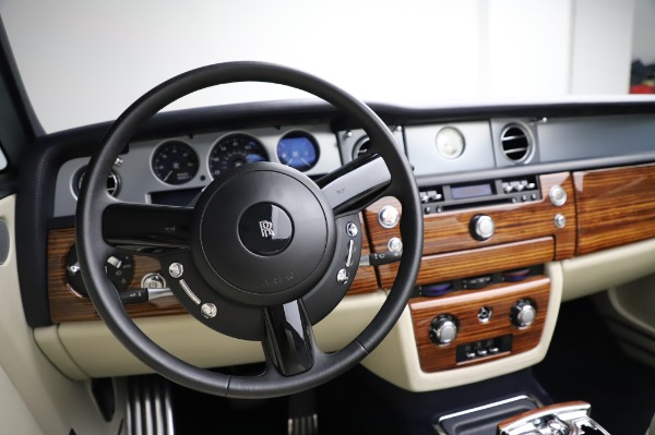 Used 2009 Rolls-Royce Phantom Drophead Coupe for sale $219,900 at Pagani of Greenwich in Greenwich CT 06830 27