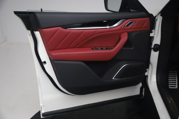 New 2021 Maserati Levante Q4 GranSport for sale $92,485 at Pagani of Greenwich in Greenwich CT 06830 17