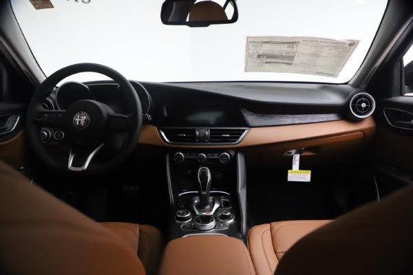New 2021 Alfa Romeo Giulia Q4 for sale Sold at Pagani of Greenwich in Greenwich CT 06830 16