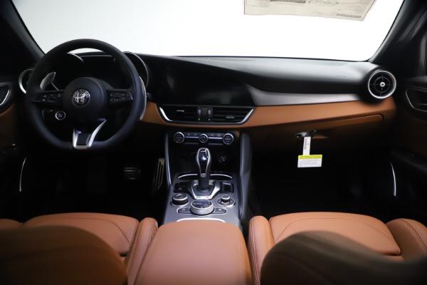 New 2021 Alfa Romeo Giulia Ti Sport Q4 for sale $54,050 at Pagani of Greenwich in Greenwich CT 06830 16