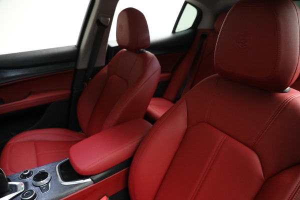 New 2021 Alfa Romeo Stelvio Q4 for sale $50,445 at Pagani of Greenwich in Greenwich CT 06830 14
