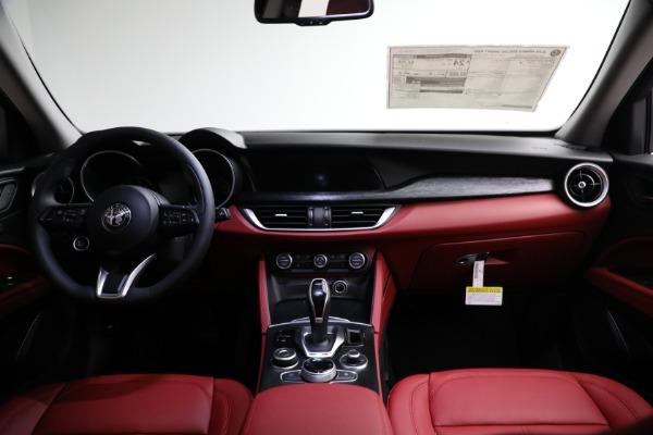New 2021 Alfa Romeo Stelvio Q4 for sale $50,445 at Pagani of Greenwich in Greenwich CT 06830 15