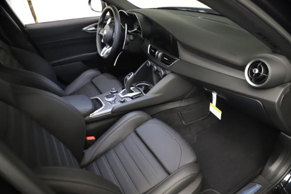 New 2021 Alfa Romeo Giulia Ti Sport Q4 for sale $53,750 at Pagani of Greenwich in Greenwich CT 06830 21
