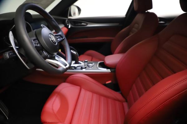 New 2021 Alfa Romeo Stelvio Ti Sport Q4 for sale $57,200 at Pagani of Greenwich in Greenwich CT 06830 15