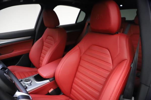 New 2021 Alfa Romeo Stelvio Ti Sport Q4 for sale $57,200 at Pagani of Greenwich in Greenwich CT 06830 16