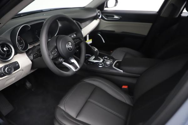 New 2021 Alfa Romeo Giulia Q4 for sale $48,245 at Pagani of Greenwich in Greenwich CT 06830 14