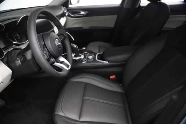 New 2021 Alfa Romeo Giulia Q4 for sale $48,245 at Pagani of Greenwich in Greenwich CT 06830 15