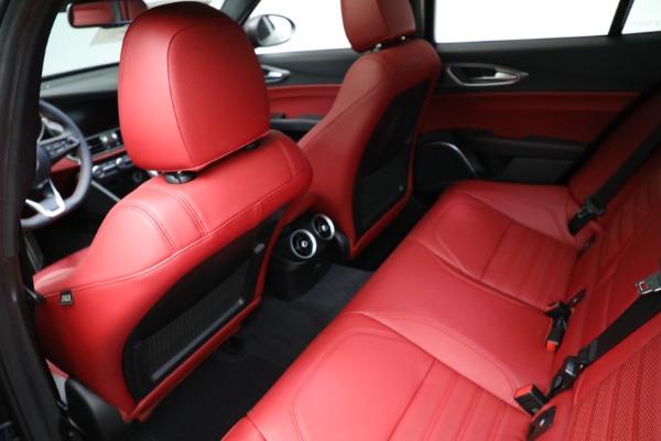 New 2021 Alfa Romeo Giulia Ti Sport Q4 for sale $54,050 at Pagani of Greenwich in Greenwich CT 06830 17
