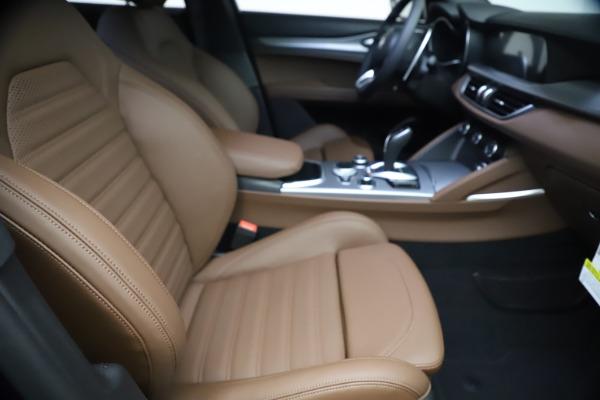 New 2021 Alfa Romeo Stelvio Ti Sport Q4 for sale $55,700 at Pagani of Greenwich in Greenwich CT 06830 21