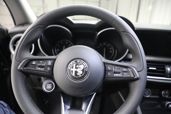 New 2021 Alfa Romeo Stelvio Q4 for sale $50,445 at Pagani of Greenwich in Greenwich CT 06830 17