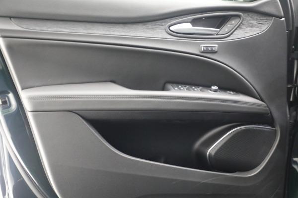 New 2021 Alfa Romeo Stelvio Q4 for sale $50,445 at Pagani of Greenwich in Greenwich CT 06830 20