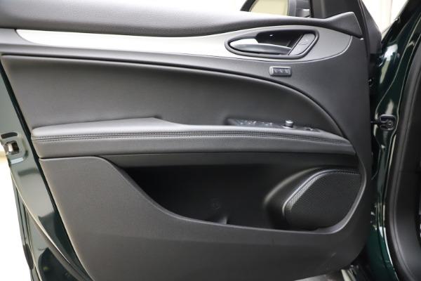 New 2021 Alfa Romeo Stelvio Ti Sport Q4 for sale $57,200 at Pagani of Greenwich in Greenwich CT 06830 18