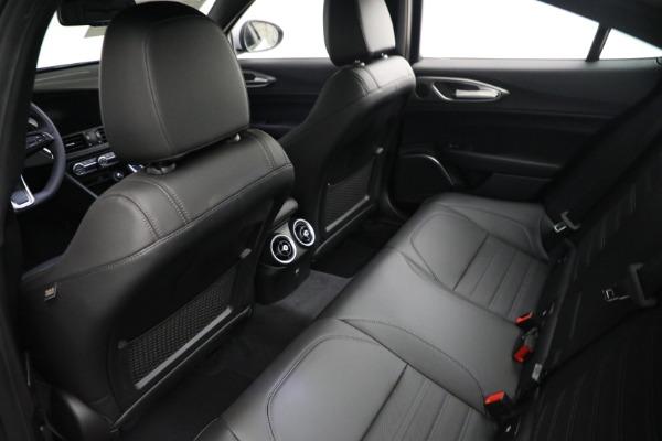 New 2021 Alfa Romeo Giulia Ti Sport Q4 for sale $53,050 at Pagani of Greenwich in Greenwich CT 06830 15