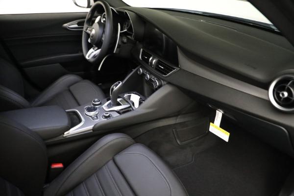 New 2021 Alfa Romeo Giulia Ti Sport Q4 for sale $53,050 at Pagani of Greenwich in Greenwich CT 06830 17