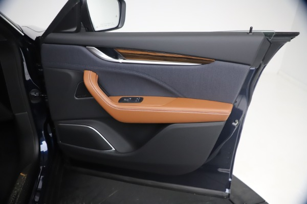 New 2021 Maserati Levante Q4 GranLusso for sale $93,385 at Pagani of Greenwich in Greenwich CT 06830 23