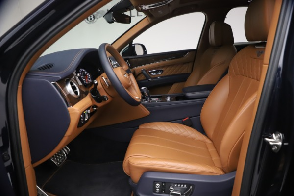Used 2018 Bentley Bentayga W12 Signature for sale $149,900 at Pagani of Greenwich in Greenwich CT 06830 18