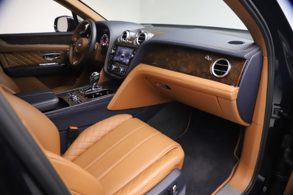 Used 2018 Bentley Bentayga W12 Signature for sale $149,900 at Pagani of Greenwich in Greenwich CT 06830 25