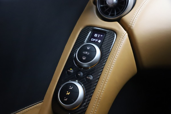 Used 2012 McLaren MP4-12C for sale Sold at Pagani of Greenwich in Greenwich CT 06830 27