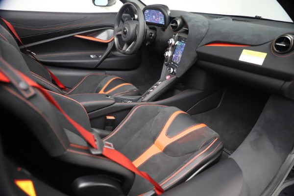 New 2021 McLaren 720S Spider for sale $366,670 at Pagani of Greenwich in Greenwich CT 06830 26