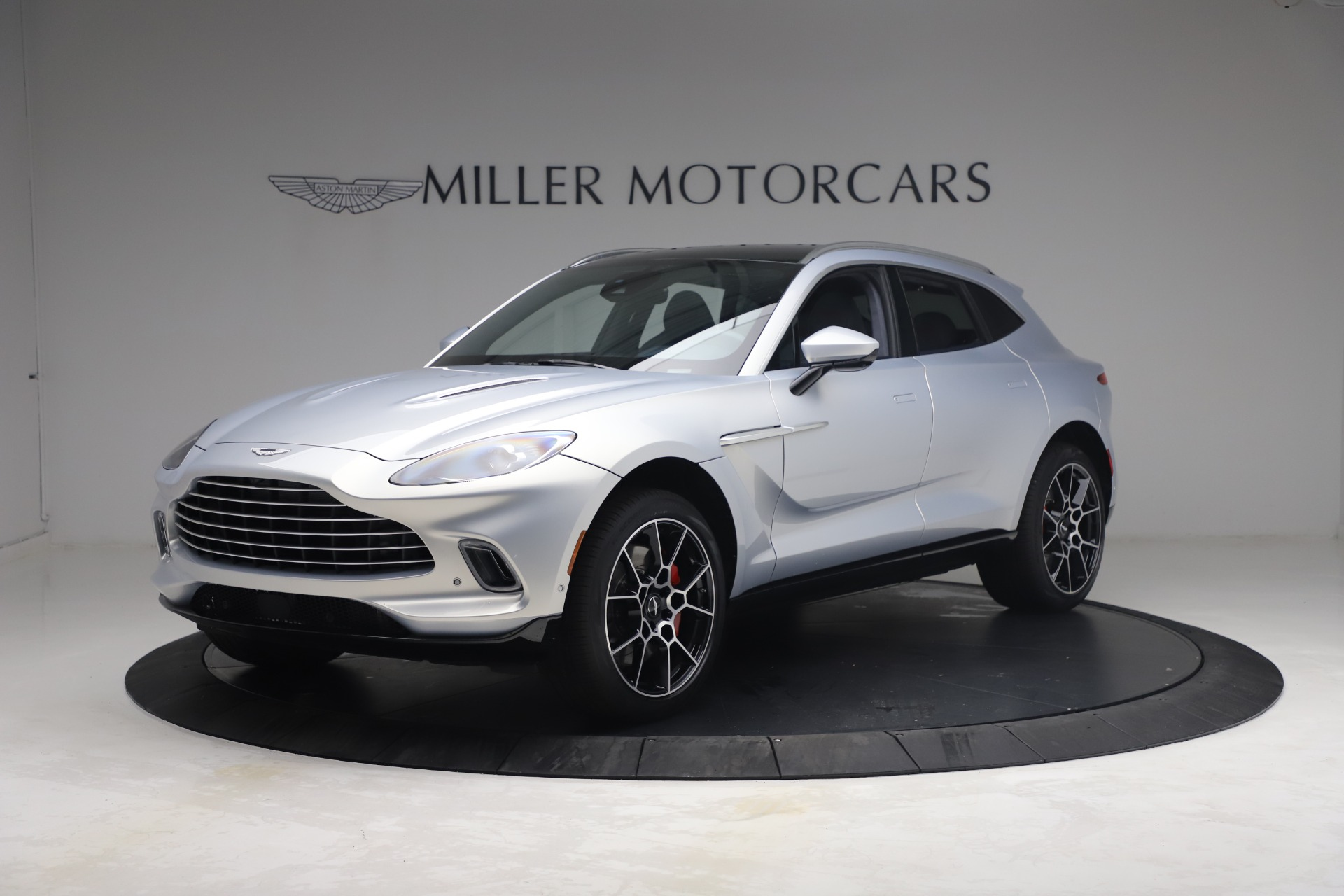 New 2021 Aston Martin DBX for sale $210,786 at Pagani of Greenwich in Greenwich CT 06830 1
