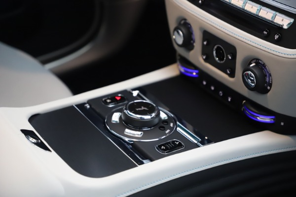 Used 2021 Rolls-Royce Wraith for sale $444,275 at Pagani of Greenwich in Greenwich CT 06830 25