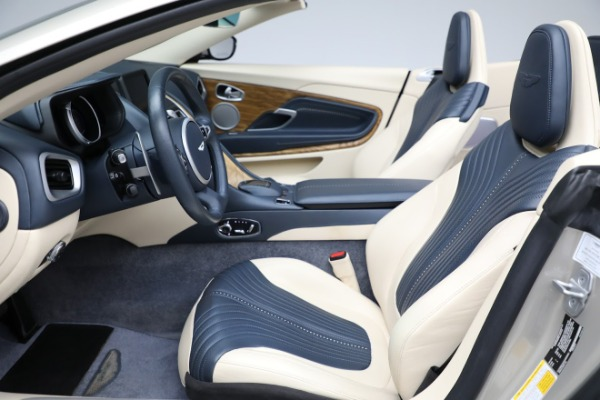 Used 2019 Aston Martin DB11 Volante for sale $209,900 at Pagani of Greenwich in Greenwich CT 06830 14